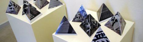 Jerzy Olek - Piramidiana